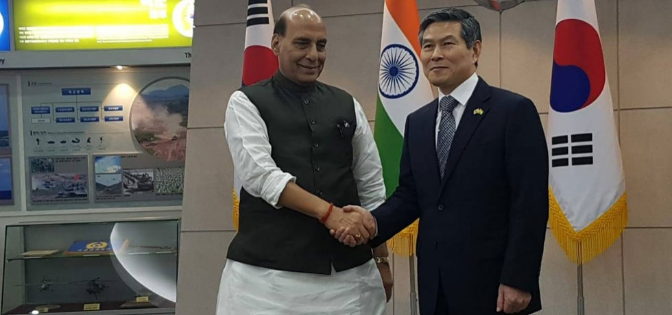 Raksha Mantri Shri. Rajnath Singh met with Mr. Jeong Kyeong doo, Minister of National Defense of Republic of Korea
