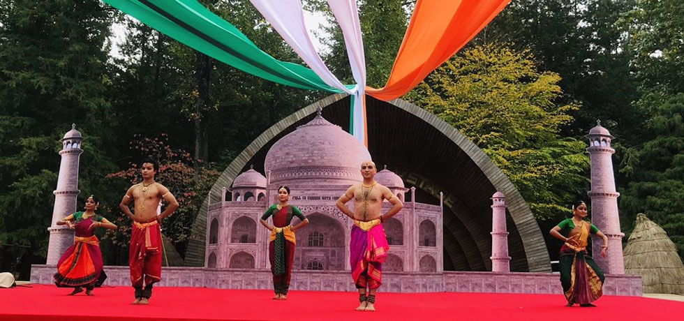 Bharatnatyam performance by Shri Kapil Sharma and group at Nami Island (October 12, 2019)